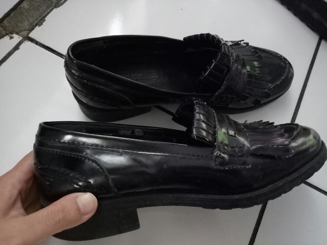 sepatu zara basic