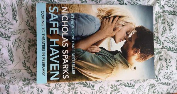 Safe Haven by Nicholas Sparks Paperback