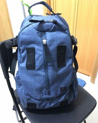 Zverest outdoor back pack ,28L , 保存良好!(not north face , f/ce , ficoture )