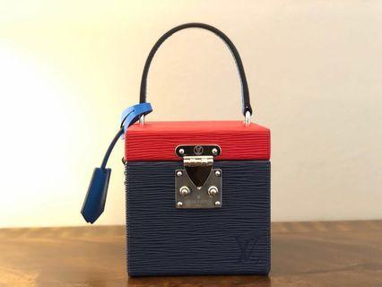 Lv bag bleecker box