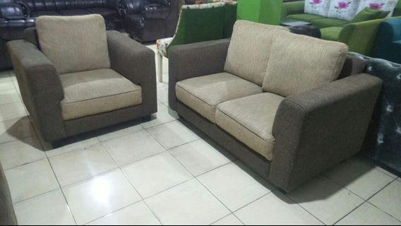 Di jual cepat sofa 2 + 1 minimalis