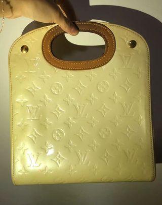 Louis Vuitton 漆皮手袋