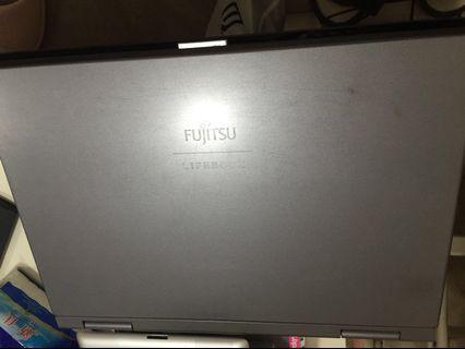 Fujitsu 手提電腦 A6030