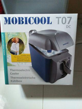 Kulkas mobil mobicool