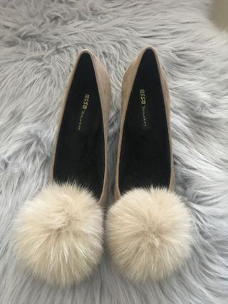 Beige feather ball high heels size 7
