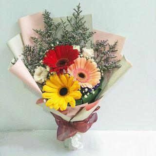 🚚 Happy Blooms Bouquet (3 Gerberas)