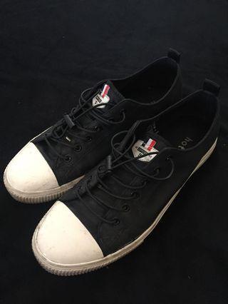 Hotwind Black Nylon Sneakers