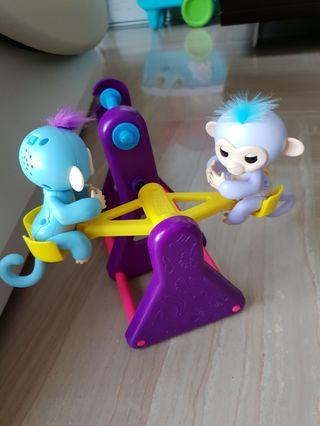 Fingerlings Seesaw Playset