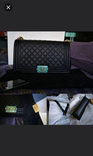 🌟BNIB New medium Chanel Boy Black/gold🌟