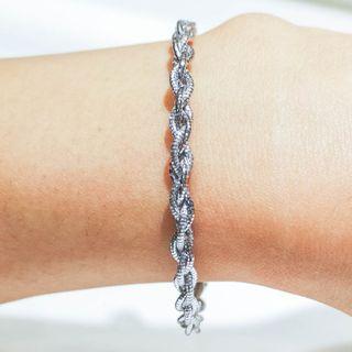 Twirl Rope Patterned Bracelet