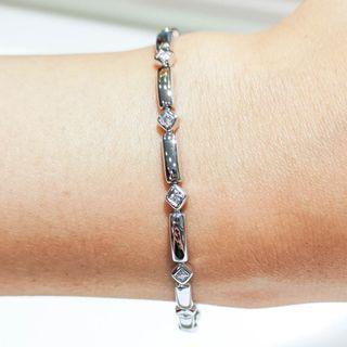 Square Motif Patterned Bracelet