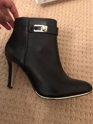 Spring boots size 6.5 amazing condition