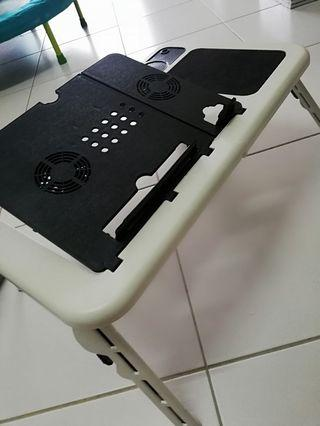 Laptop table foldable