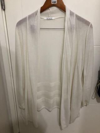 Cardigan Putih Transparan