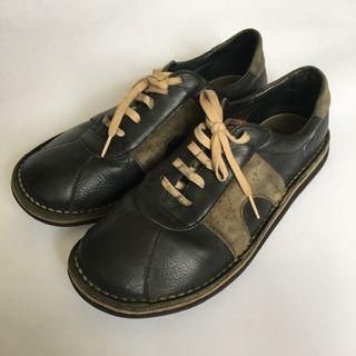 CAMPER黑色休閒皮鞋 二手