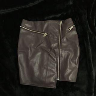 Pleather wine zip detail skirt