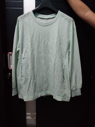 Sweatershirt