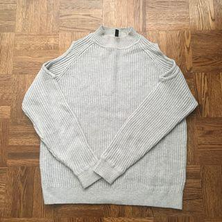 Hm cut off shoulder sweater