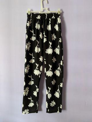 Elastic Floral Pants with pockets
