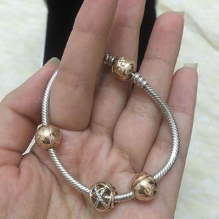 Authentic Pandora Bracelet with charms (with receipt)