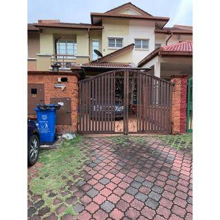 Double Storey Bukit Jelutong RENOVATED FREEHOLD (FREE AIR COND)