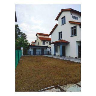 CORNER LOT 2.5 Storey Taman Putra Perdana Puchong RENOVATED & NEW FLOORING