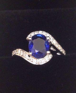 IGI 証書18K白金天然天然斯里蘭卡藍寶石2卡4份配天然鑽石24份戒指鮮艷藍vivid 靚色  接近皇家藍 一級透光