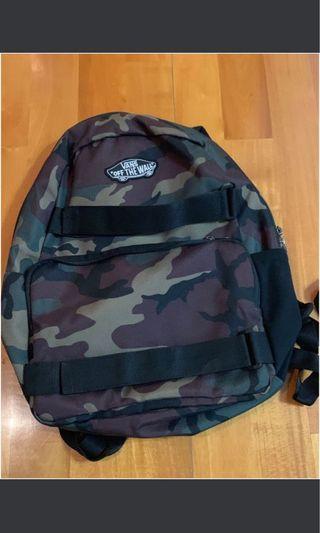 Vans Camo Backpack 軍綠迷彩背囊學校書包 超值優惠 含電腦格