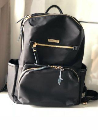 🚚 Multipurpose female black backpack/ with a lot of compartments!