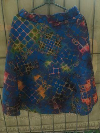Skirt abstrak