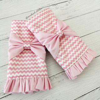 🚚 *preorder* Ruffled Drool Pads with Bows (pink zigzag/pink)