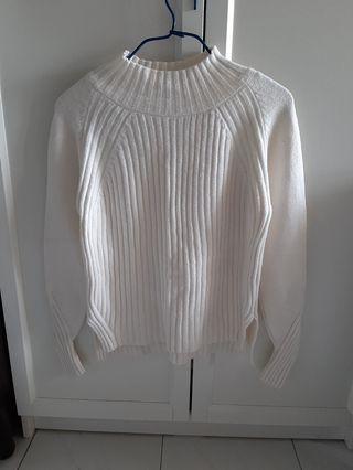 白色樽領冬天襯衣
