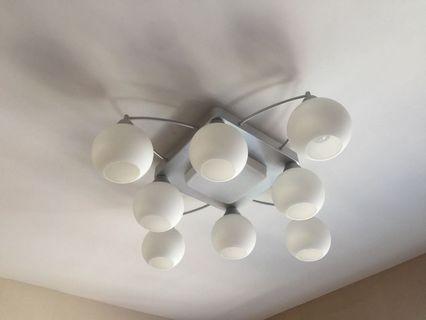 飛利浦8頭廳燈, 連LED燈泡