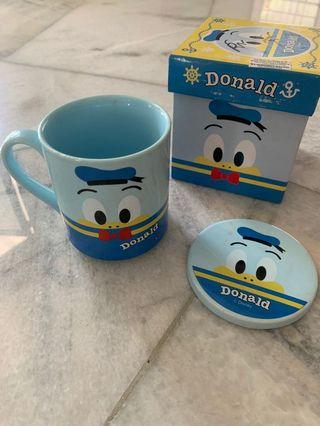 Donald duck cup with lid
