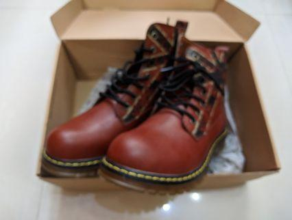 Boots size UK6