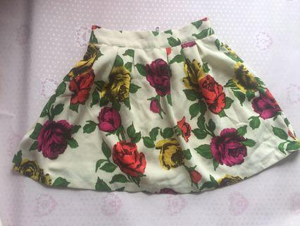 Floral skirt (S-M) Condition:90% like new