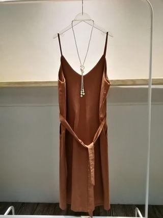 🚚 修飾大地色洋裝裙