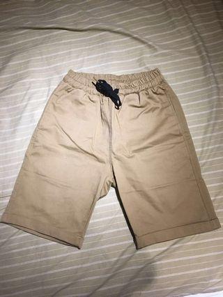 卡其短褲   M號