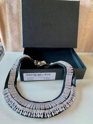 Venna crystal and leather  necklace