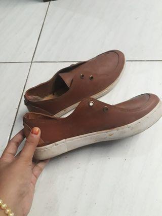 #BAPAU Sepatu Coklat