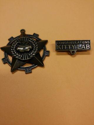 2009年 KITTY LAB 襟章、吊飾