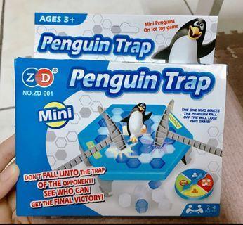 消費滿300贈送:冰上企鵝敲打遊戲