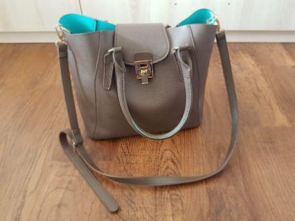 🚚 Perlini&Mel handbag