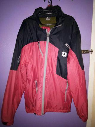 Jaket gunung Consina