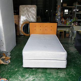 合運二手傢俱~單人加大3.5X6.2上下墊+床頭片A02248