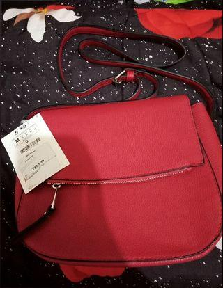 STRADIVARIUS SLINGBAG RED