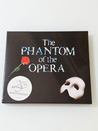 Phantom of the Opera Musical Soundtrack 2CDs + 2 Cast's Autographed CD Albums
