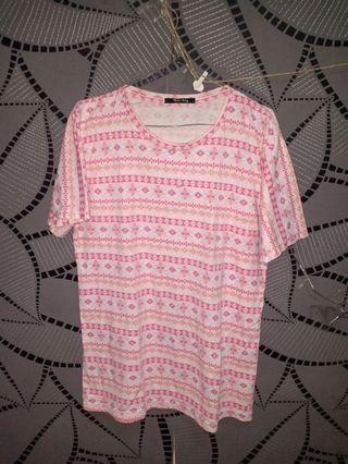 Kaos motif pink