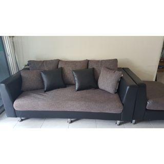 🚚 L-shape cushion sofa