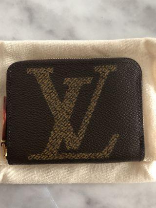 Louis Vuitton Zippy Compact Giant Monogram 💕💕